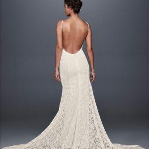 David's Bridal Low Back Lace Wedding Dress